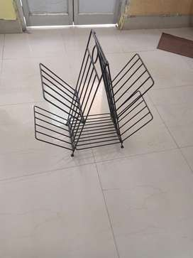Wrought iron stylish, foldable magazine stand
