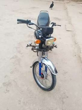 Motor cycle Super Power CD70 2017, Rs : 28,000