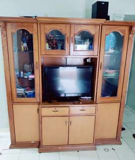 Tv showcase very good condition
