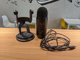 Blue Yeti Blackout Edition Mulus