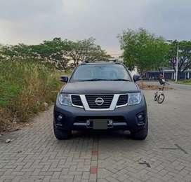 Mobil nissan navara 2012