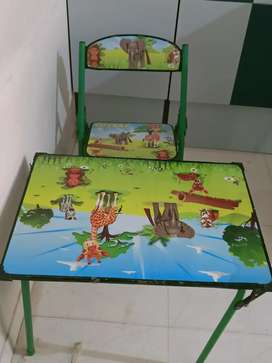 Kids compact study table