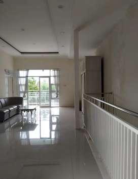 Rumah 2 lantai dekat IKIP PGRI Kota Madiun