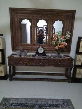 Large size mirror n console