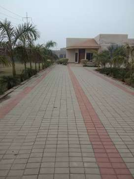 Fam house for sale Shrif City Rood Mall