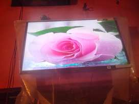 32 inch colour LCD sale