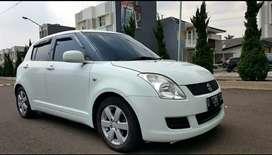 Suzuki Swift ST AT Tahun 2010 Warna Putih Siap Pakai