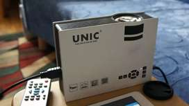 Unic projecter awesome condition