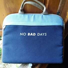 Dijual Tas Laptop 14 inch kondisi like new beli di mall