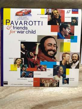 Laserdisc Pavarotti & friends