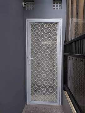 Pintu aluminium makassar