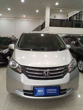 HONDA Freed e matic psd 2010 silver ac digital bandung