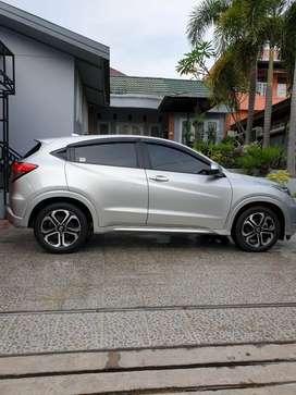 Honda HRV 1.8L Prestige