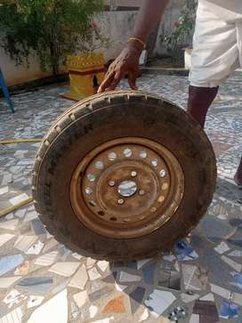 185 R15 LT--MRF Tubeless Tyre with wheel