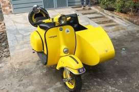 Vespa Scooter with side car