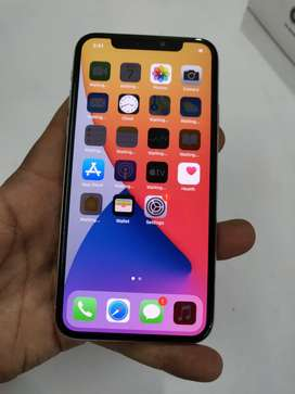 "Apple iPhone X 64GB Silver With BiL. And Charger Also "" MOBILE HUB"""