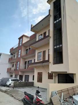 3BHK SEMIFURNISHED FLAT FOR SALE