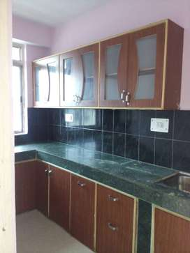 A 3bhk semi-furnished flat of 2000 sqft at PP compound is for rent.