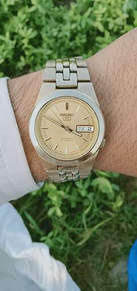 Branded Seiko 5 automatic glass back Japan made