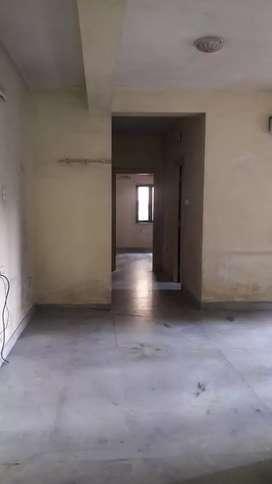 Hazra Near Metro Station 1st Floor 1050 Sqft 2Bhk Flat Sale 80 Lakhs.