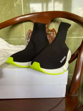 BALENCIAGA speed trainer black neon BNIB,original 100%