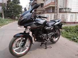 Bajaj Pulser 220f brand new condition tryes in good condition