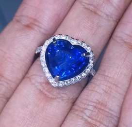 Natural Vivid Blue Safir Ceylon No Heat Ring Gold Diamond