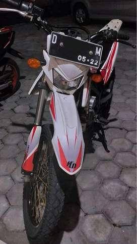 KLX D Tracker Tahun 2011