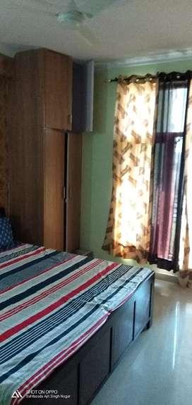 Available 10 Marla kothi single old phase 4 Mohali