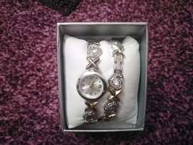Beautiful watch and bracelet for sale