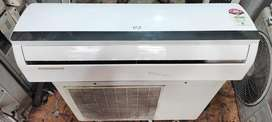 Used air-condition in good condition with warranty