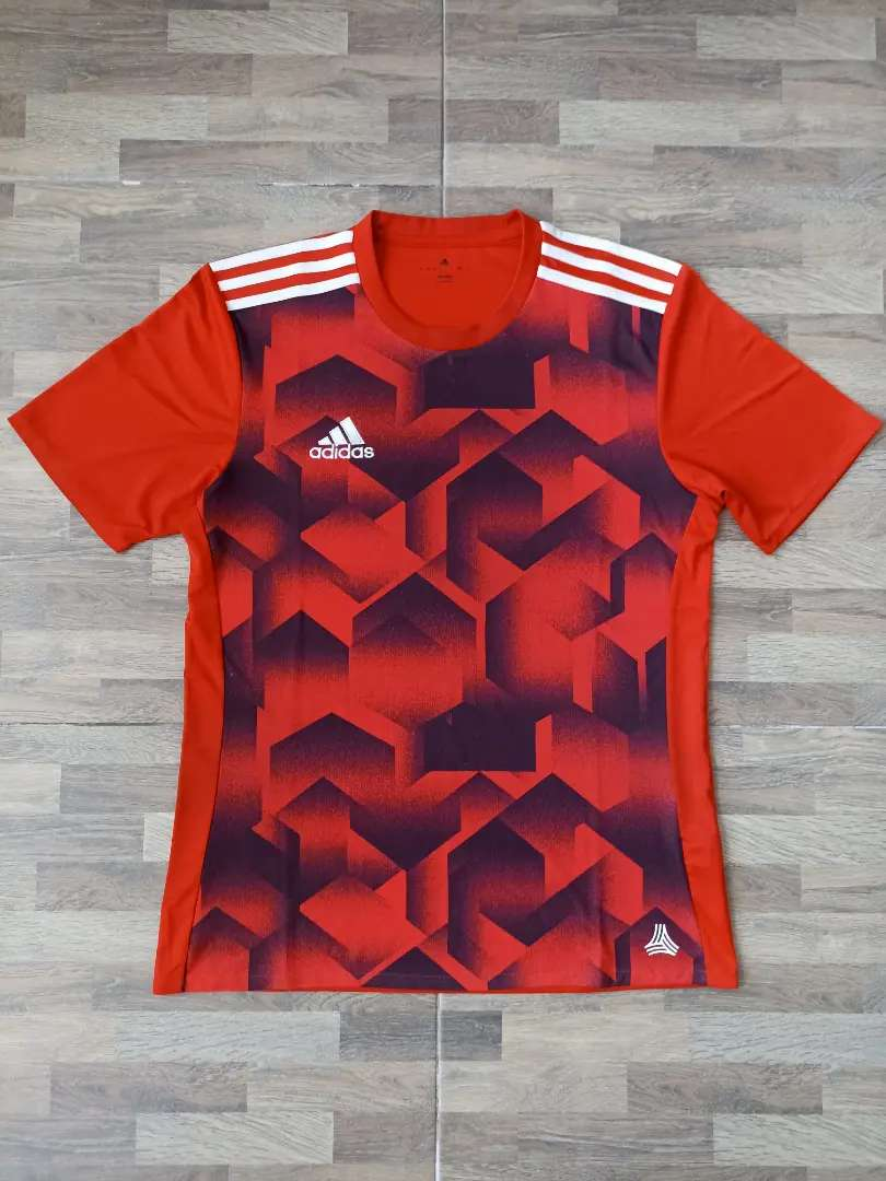 Adidas climalite shirt merah