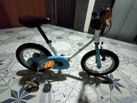 Btwin Arctic 100 kids bicycle for 1-4 years