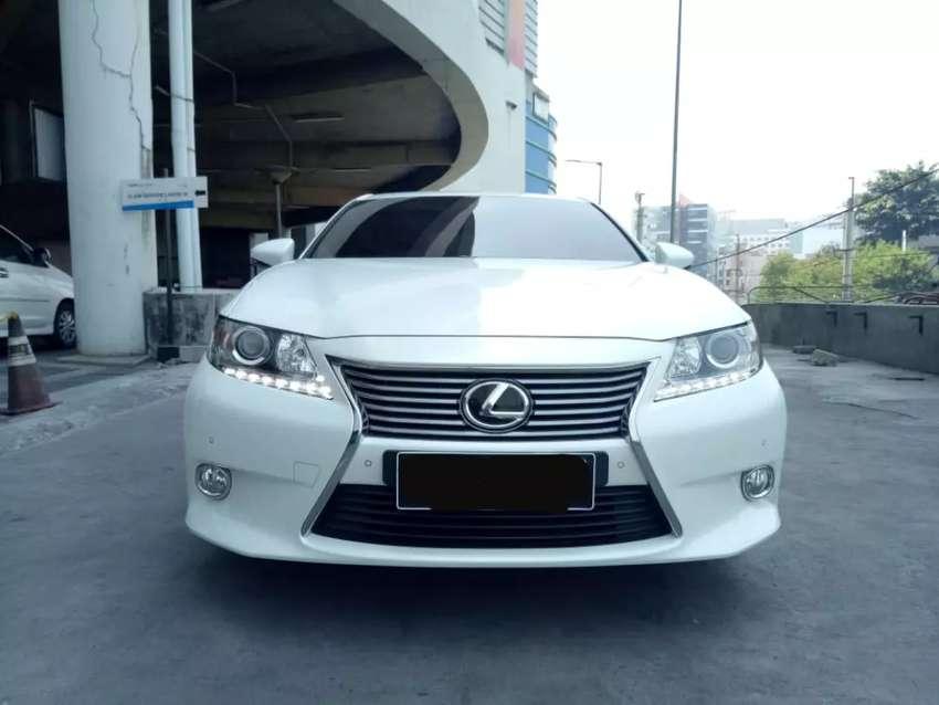 Dijual Lexus ES250 2.5 cc AT 2014 KM 6900 asli ,mobil sangat terawat 0