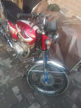 Honda 125 red color 16 modal Amir road