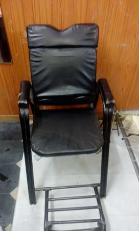 Parlour chair for 3000 rs