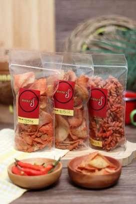 Camilan|Jajanan|Snack Makaroni spiral & Keripik singkong