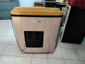 Videocon 6 liter semi automatic washing machine