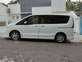Sewa mobil / rental Mobil nissan serena