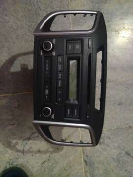 Origunal Hyundai music system with frame and you can