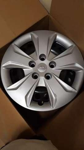 Original Hyundai Creta 16inch Rims and metal wheel Caps