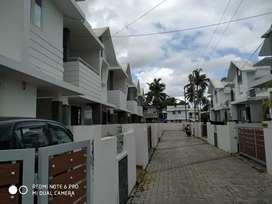 Aluva UC college 3 bhk villa  for lease 7.0.3.4.0.4.8.7.seven.one