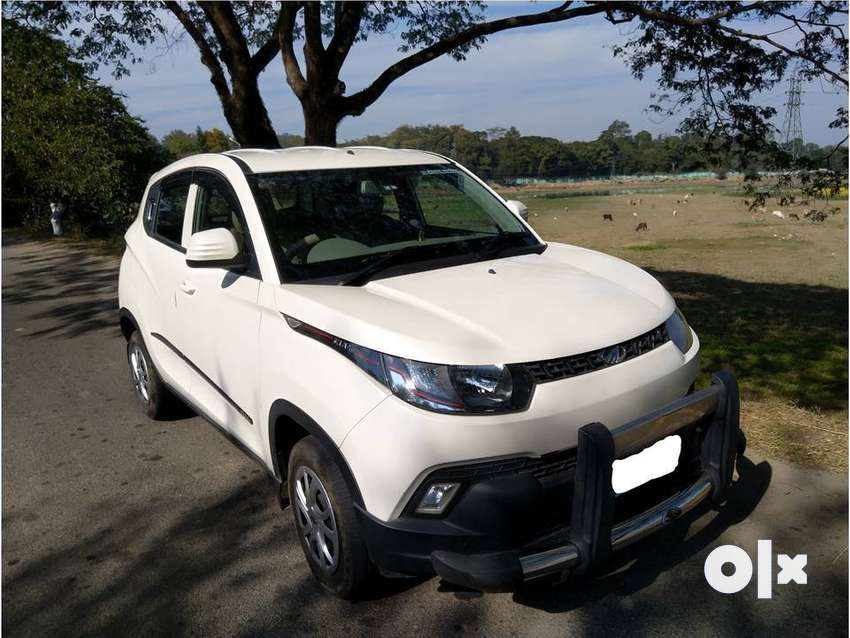 KUV100 K4 Petrol 5 seater White in colour 0