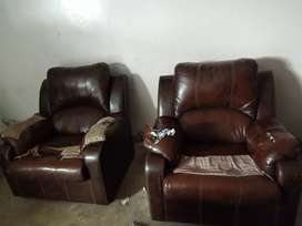 5 seater second hand sofa set ready for sale in a reasonable price.