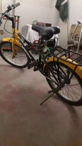 Kids bicycle very good condition for age 8-12