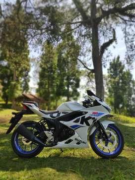 Suzuki gsx r150 seperti baru