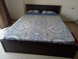 Queen size bed with mattresses(kurl-on)