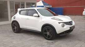 Juke RX CVT 2013 Red Interior/Audio Ster TT Jazz/Yaris/Swift 2012/2014