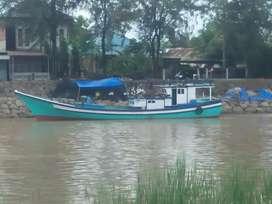 Kapal / boat pukat