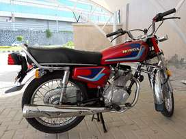 100% GENUINE 10 BY 10 HONDA CG125 WITH ALL ORIGINAL ACCESSORIES